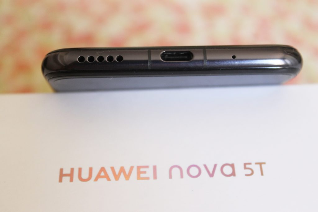 Entrada USB-C do Huawei nova 5T