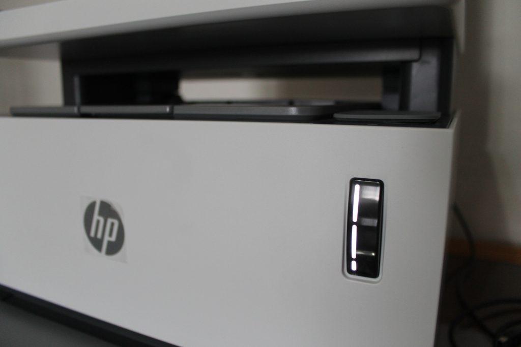 Indicador do nível do toner da impressora Laser Neverstop 1200W (Imagem: Darlan Helder /Showmetech)