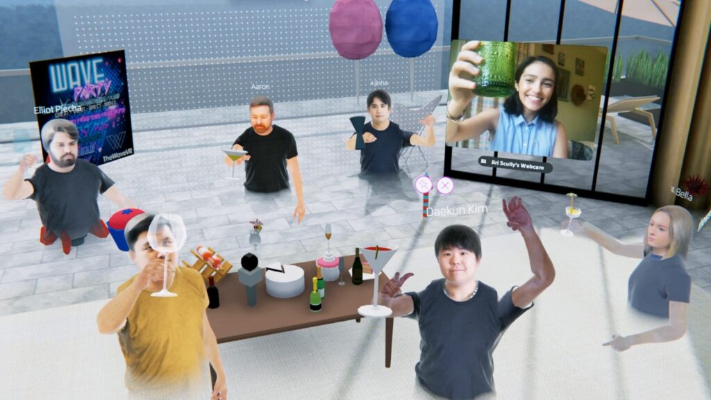 Equipe fazendo happy hour através da plataforma da spatial