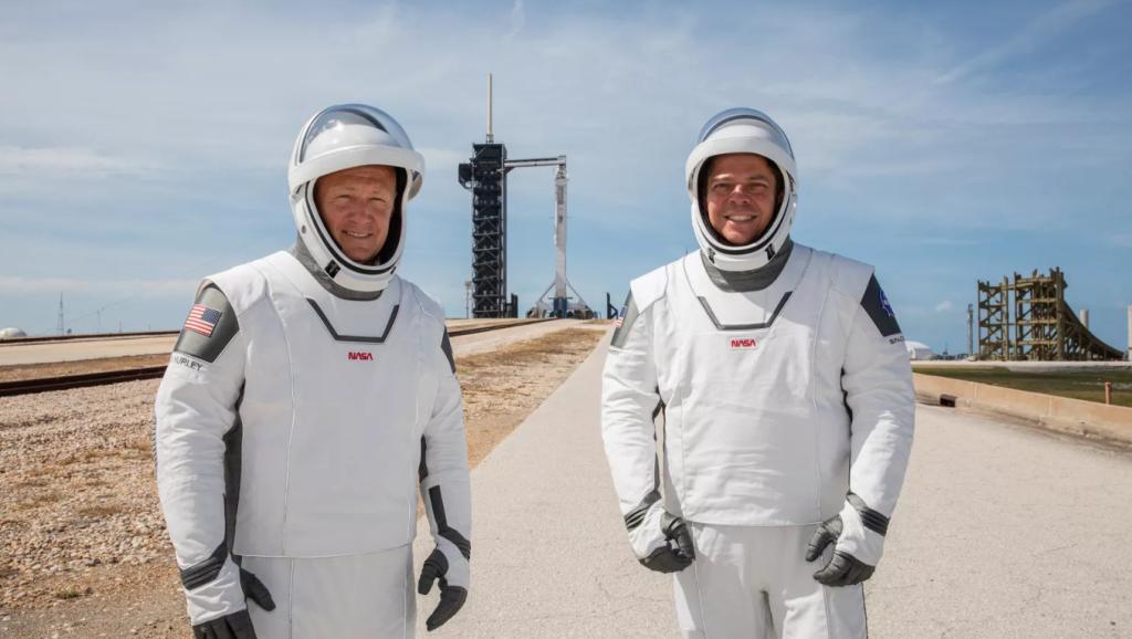 Astronautas bob behnken e doug hurley