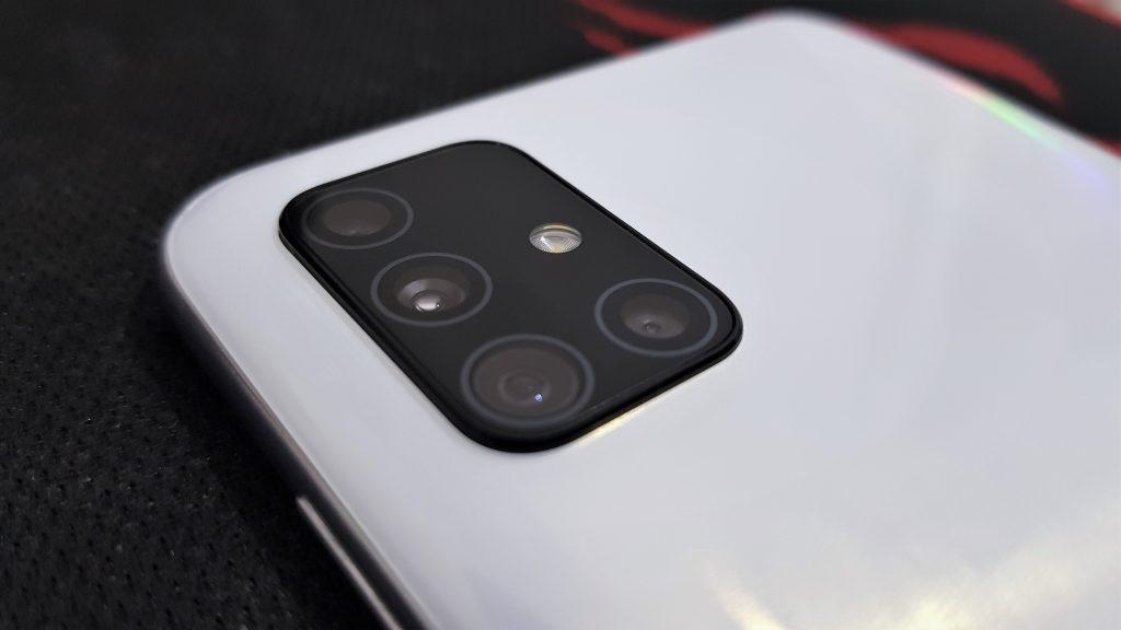 Review: galaxy a51 traz boas câmeras em um intermediário completo. O galaxy a51 é o pacote completo para quem procura um intermediário que não vai te deixar na mão