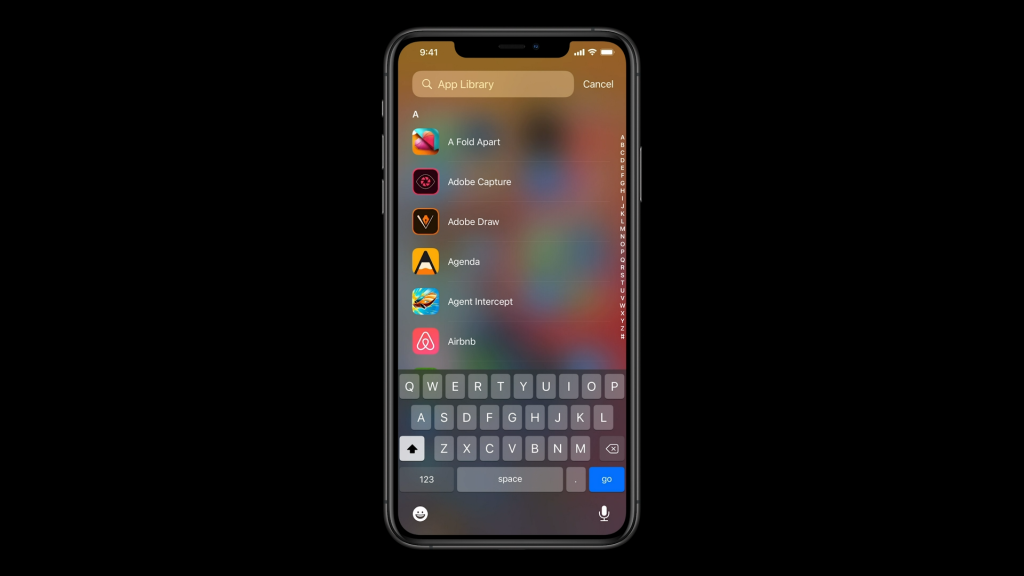 Lista de aplicativos instalados no aparelho em ordem alfabética na Biblioteca de Apps