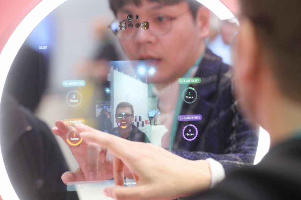 Maior feira de tecnologia do mundo, ces 2021 será um evento totalmente digital. Por causa da pandemia, organizadores optaram por realizar o evento online e garantem uma experiência totalmente digital