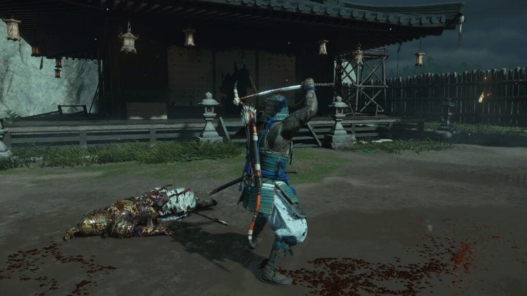 O chão sujo de sangue após um combate.