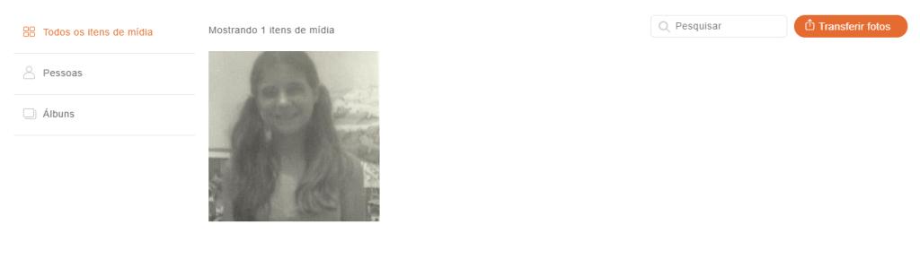 Visão do álbum de família, local onde ficam armazenadas as fotos do site myheritage, e onde o usuário poderá usar a ferramenta de melhorar as fotos