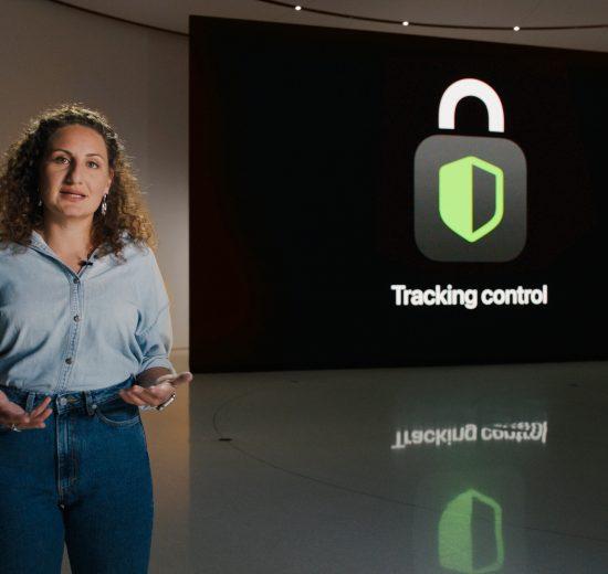Katie Skinner apresenta a sessão sobre Privacidade durante a Keynote da WWDC 2020