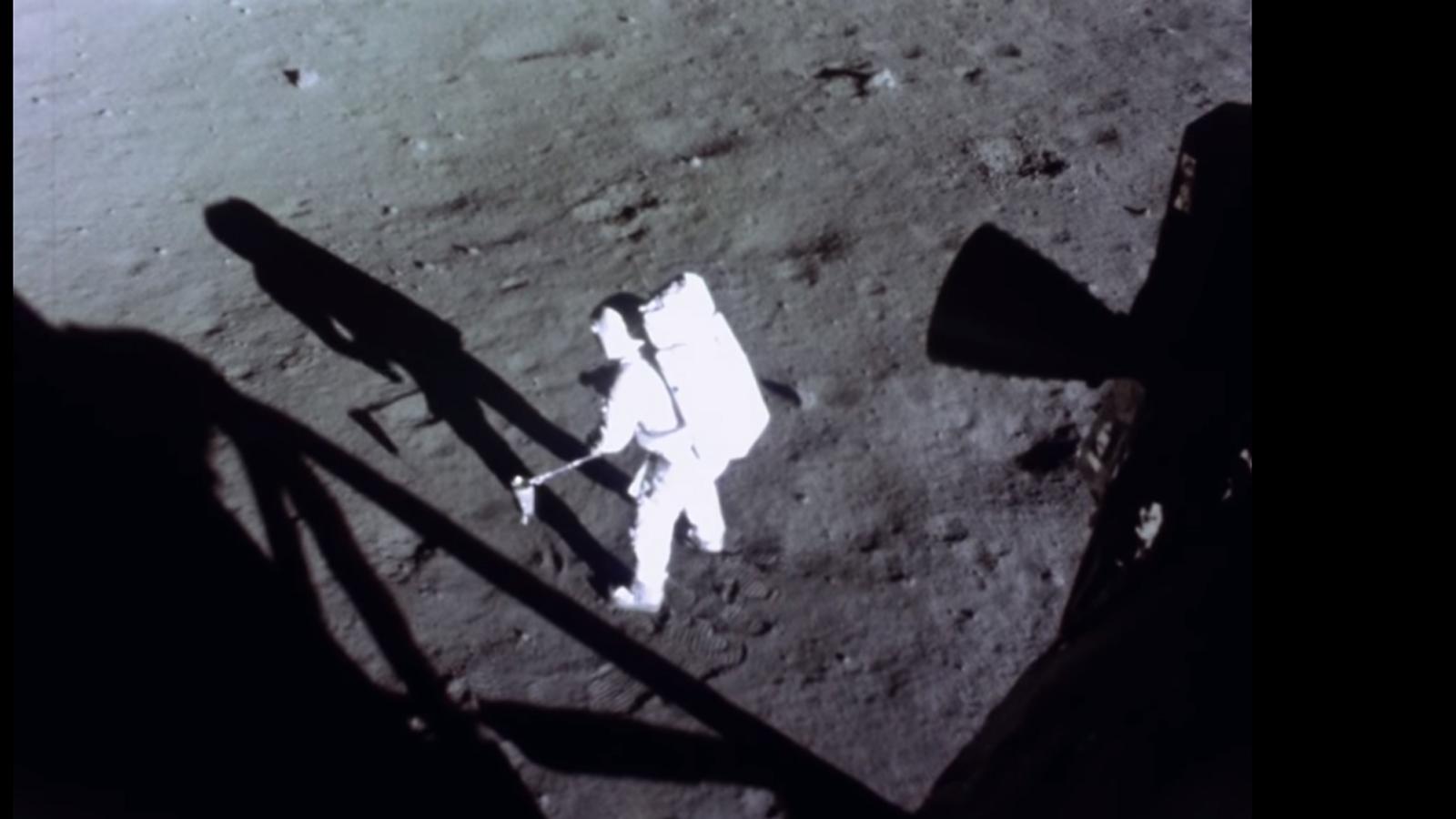 Homem na lua restaurado ia