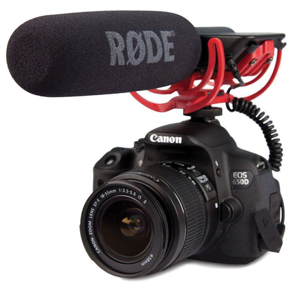 Microfone shotgun rode videomic go em uma câmera.