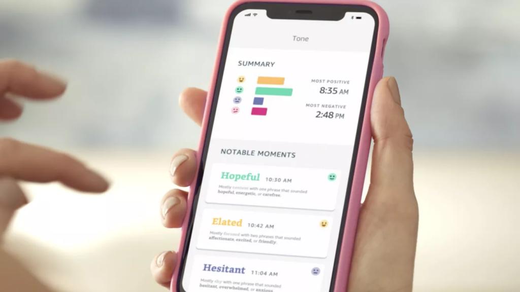 Um aplicativo de smartphone, compatível com aparelhos ios e android, controla a visualização e relatório dos dados da amazon halo band (imagem: divulgação/amazon)