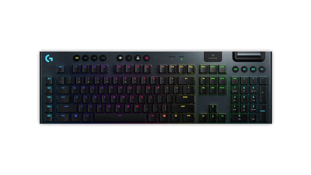 logitech g915 colorido teclado rgb em fundo branco