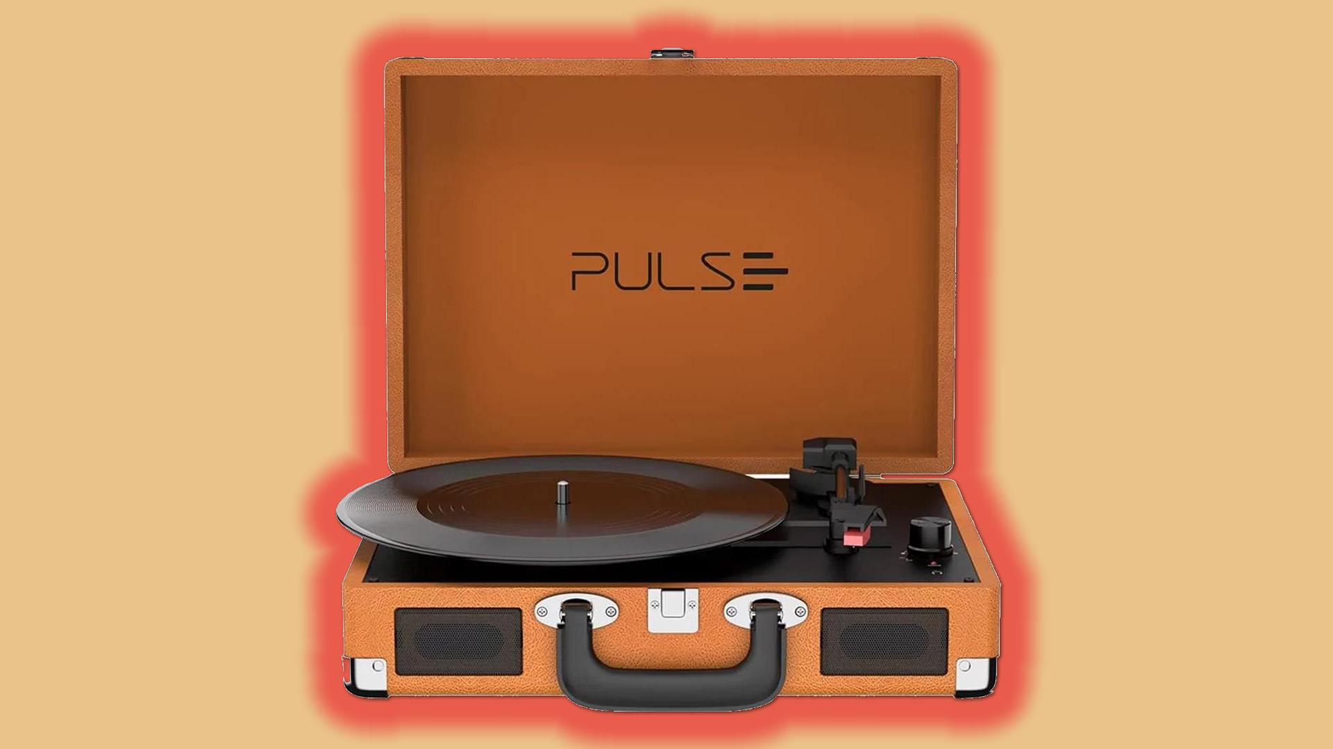 Pulse lança três vitrolas retrô e amplia portfólio de áudio. Berry, turntable e sinatra são as novas vitrolas retrô que trazem conexão bluetooth 5. 0 e suporte a caixas de som externas, unindo potência sonora e belo visual