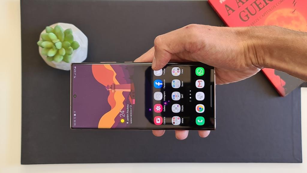 Samsung anuncia chegada do galaxy note 20, note 20 ultra e vários outros produtos ao brasil. Em evento realizado hoje cedo, a samsung confirmou que todos os aparelhos estarão disponíveis no brasil, além de promover recursos do galaxy note 20 e galaxy note 20 ultra para fãs do país