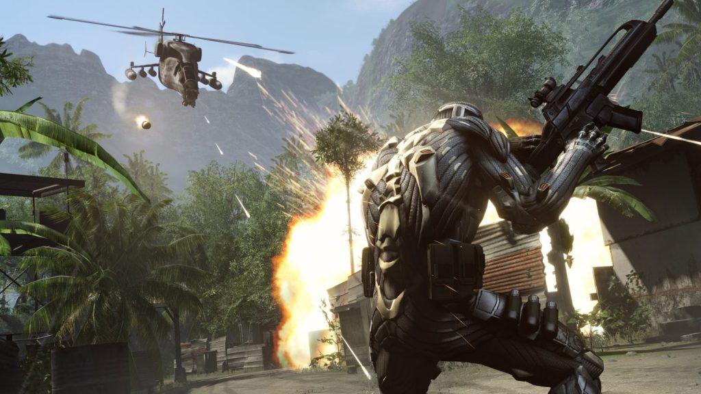 Soldado lutando contra helicóptero em crysis remastered