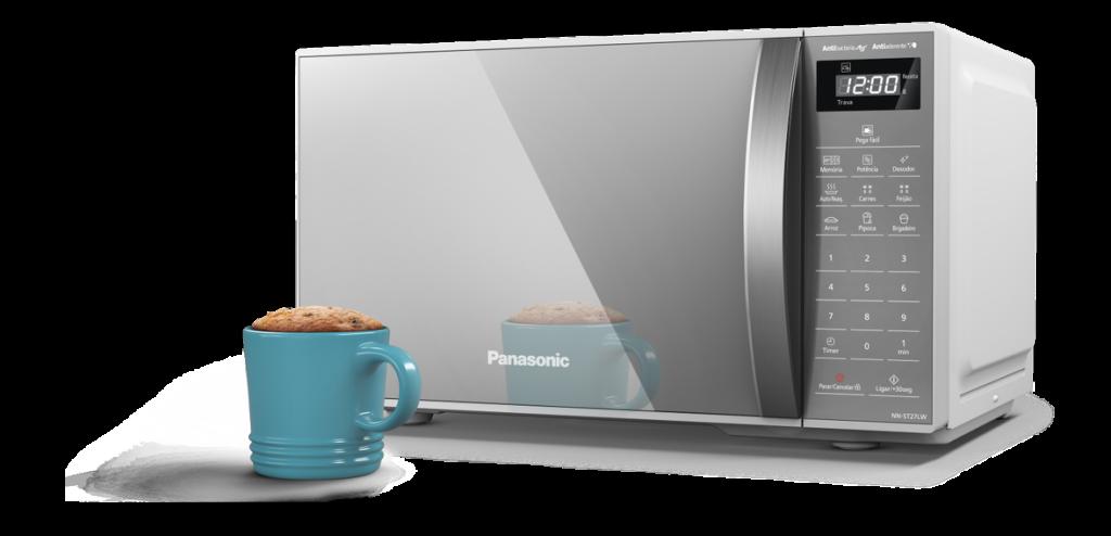 O novo microondas da panasonic possui um modelo com tampa espelhada.