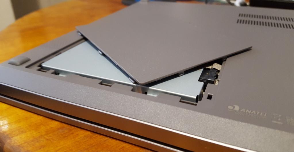 Samsung book x45 tampa traseira de hdd
