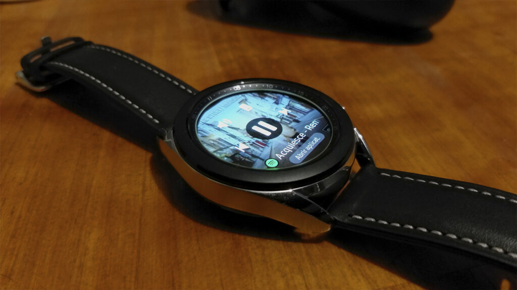 Galaxy watch 3 aberto no spotify