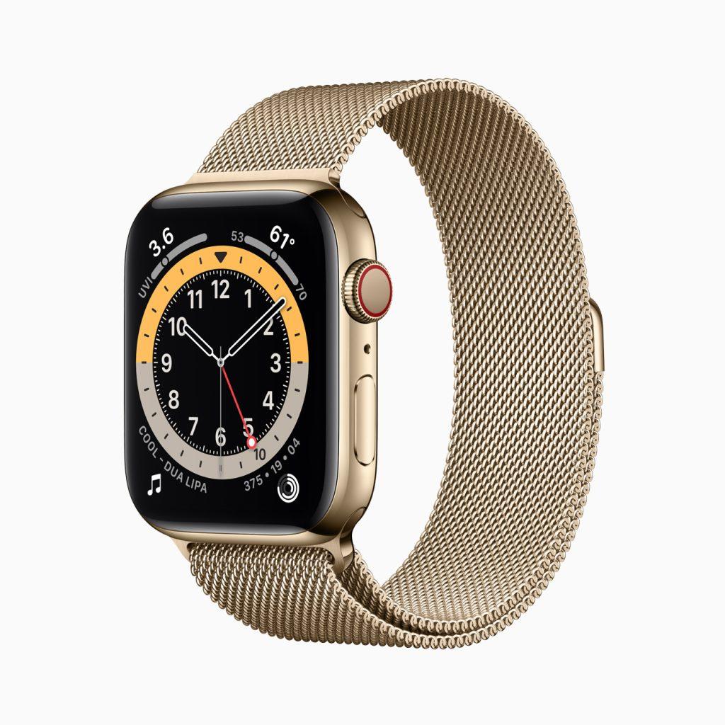 Apple watch series 6 em aço dourado com pulseira milanesa também dourada exibindo o novo mostrador gmt.