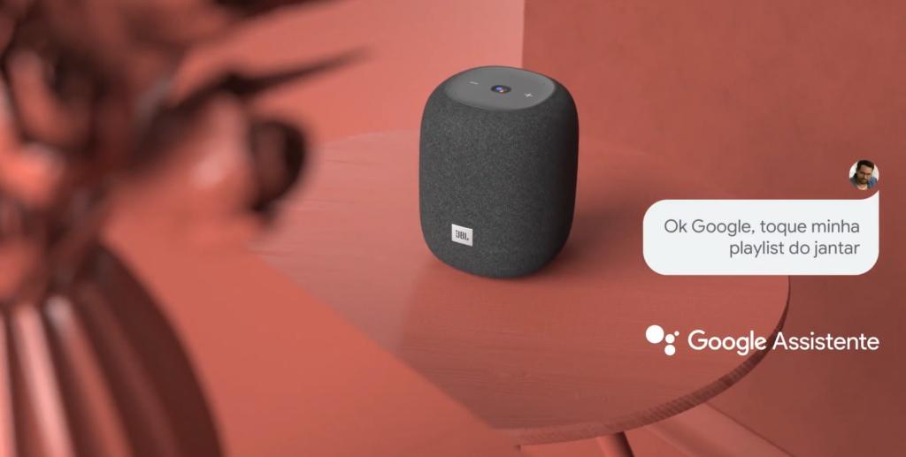 A jbl link music é uma das caixas de som que vem com google assistente integrado