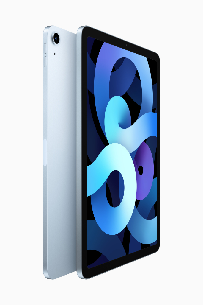 Ipad air 4ª geração na cor azul-céu de frente e costas. A lateral possui os botões de volume em formato pílula. Na traseira é visível a protuberância da câmera. A frontal mostra a tela de 10,9 polegadas e a câmera frontal.