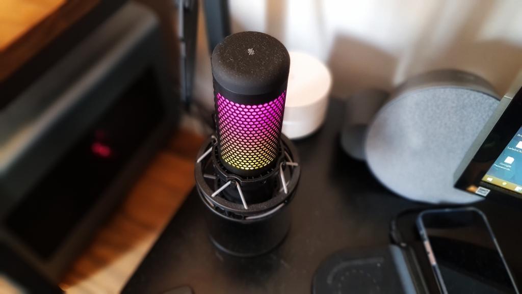Review - hyperx quadcast s, o microfone perfeito para criadores de conteúdo