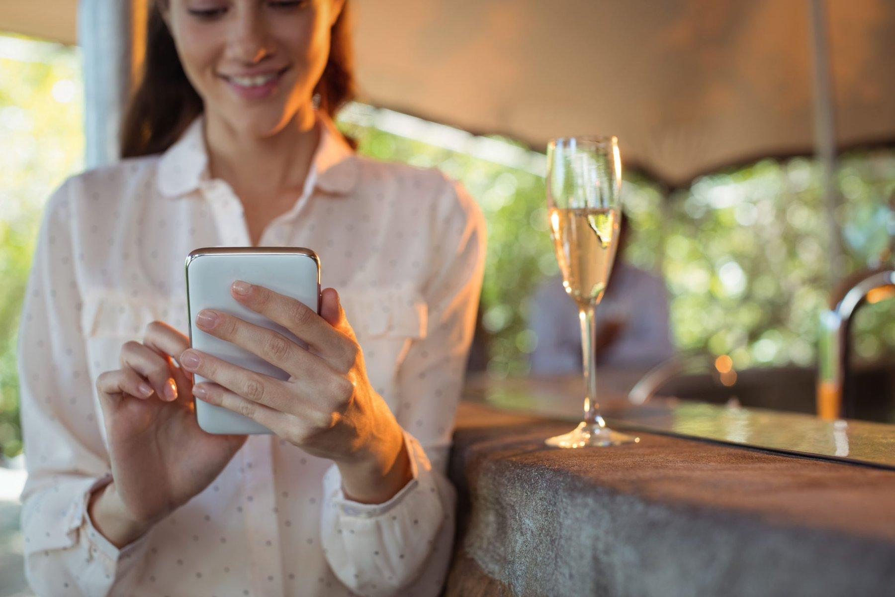 Os melhores apps para mensagem de ano novo no whatsapp. Listamos as melhores opções de aplicativos para você enviar mensagem de ano novo no whatsapp para amigos e familiares