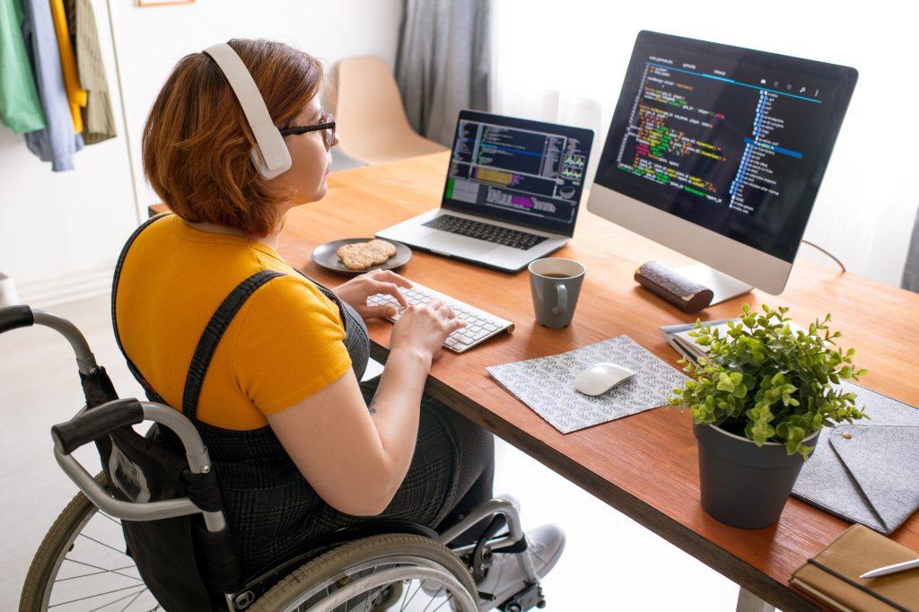 Mercado de tecnologia é um dos principais destaques na contratação e inclusão de pessoas com deficiência