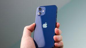 Review iphone 12 mini prova que tamanho não é documento