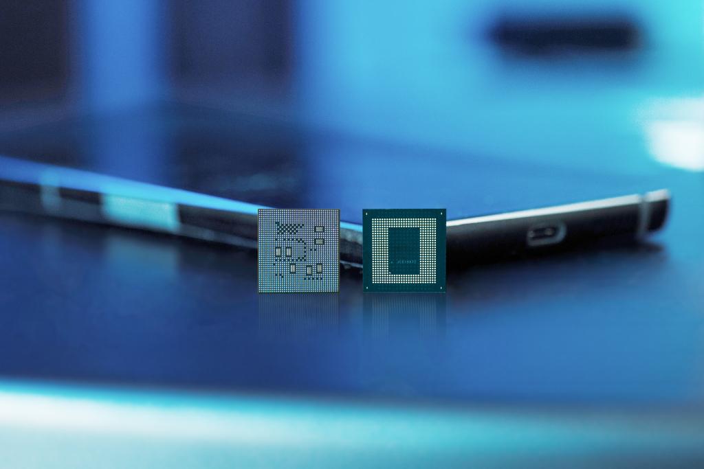 Qualcomm apresenta snapdragon 888 5g, próximo passo na inovação dos processadores mobile. Novo processador da qualcomm para os smartphones em 2021, o snapdragon 888 5g tem recursos para fotografia profissional, compatibilidade total com 5g e inteligência artificial aprimorada