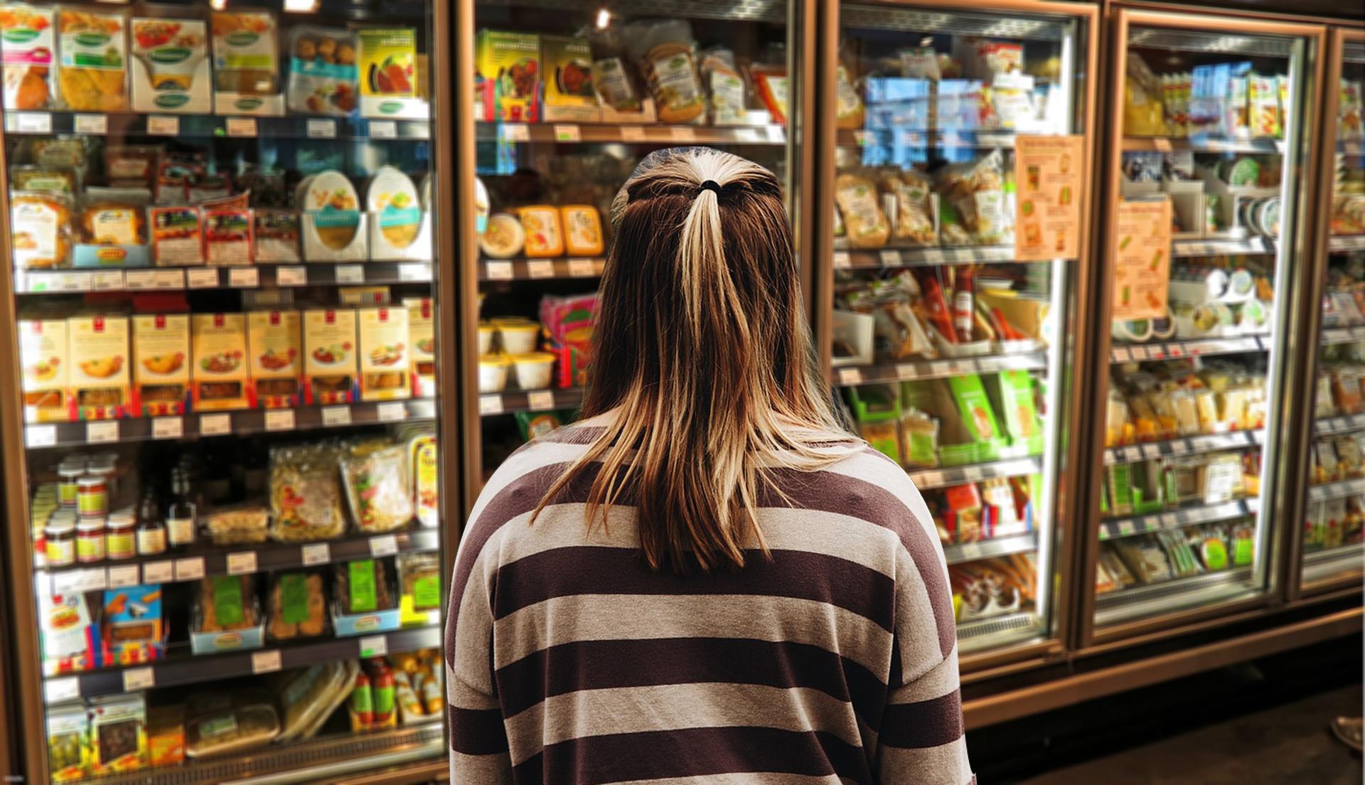 Índice de intenção de consumo tem maior alta desde maio, diz cnc