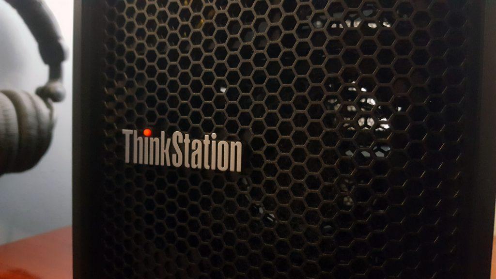 Thinkstation p340 logo frontal