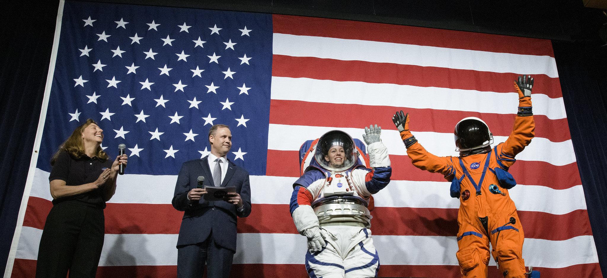 Em outubro de 2019, a nasa apresentou as melhorias nos trajes espaciais que serão utilizados no programa artemis