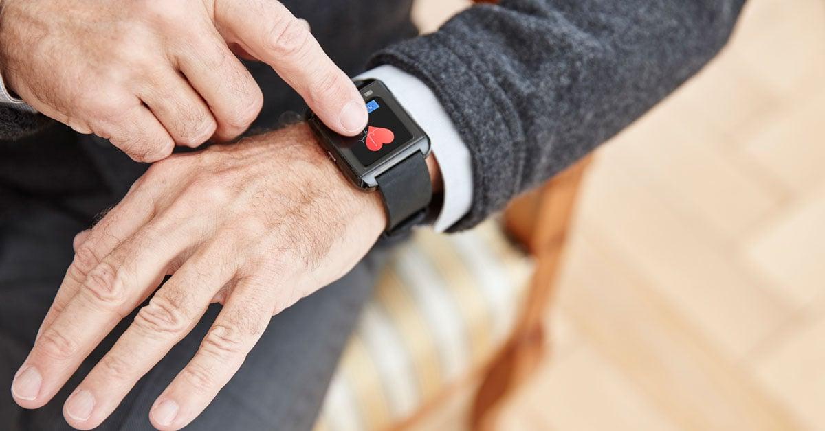 Smartwatches podem detectar covid-19 antes dos sintomas. A partir da frequência cardíaca, smartwatches podem detectar covid-19 antes da manifestação de sintomas, freando a infecção a partir de pacientes assintomáticos