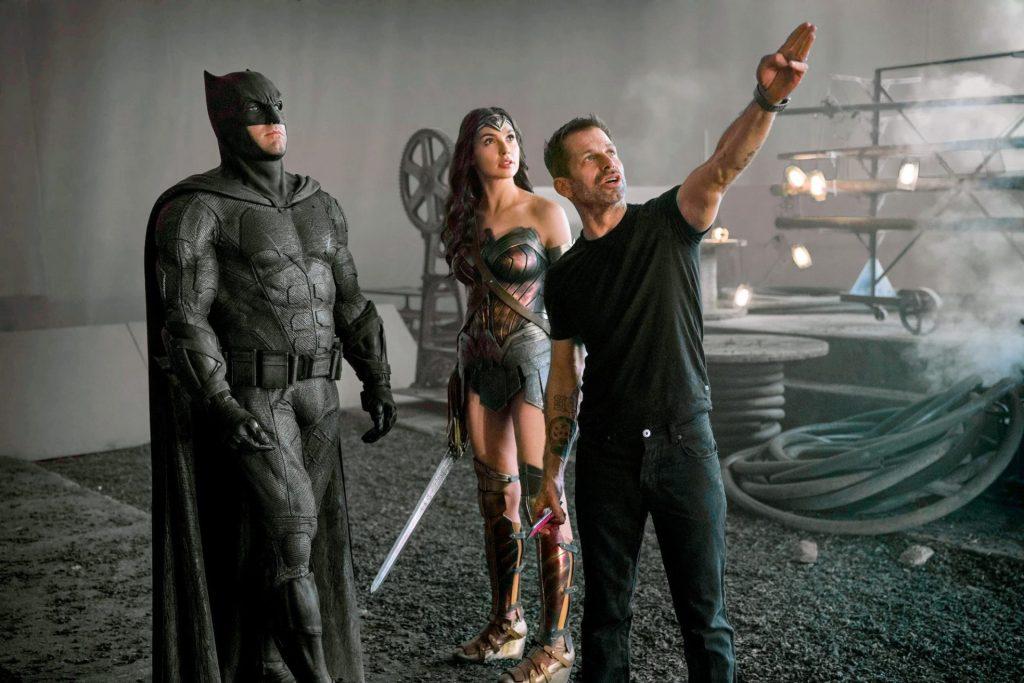 Zack synder com batman e mulher-maravilha