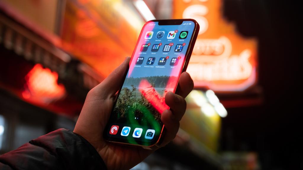 Samsung apresenta lucro 26,4% maior no último trimestre de 2020. Mesmo com queda na venda de smartphones, a samsung apresenta lucro nos últimos três meses de 2020 puxada pela venda de displays