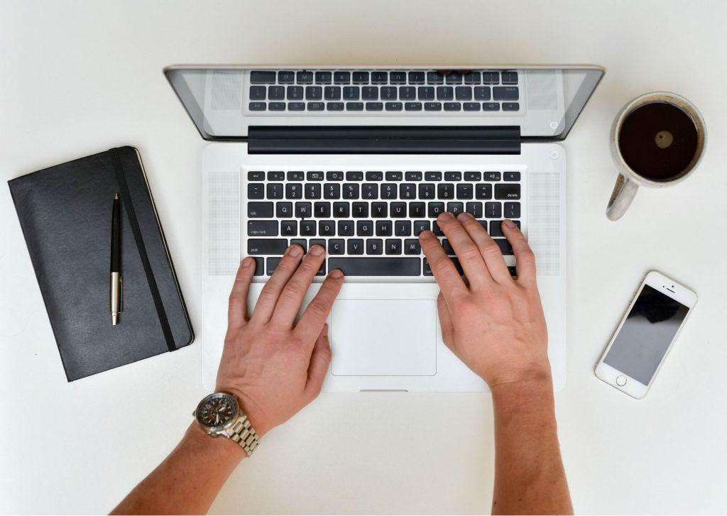6 dicas de como escrever um bom artigo de tecnologia. Se você está pensando em escrever um artigo de tecnologia, listamos para você 6 dicas fundamentais de redação e revisão