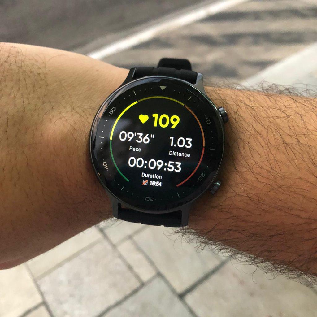 Caminha leve com realme watch s 2