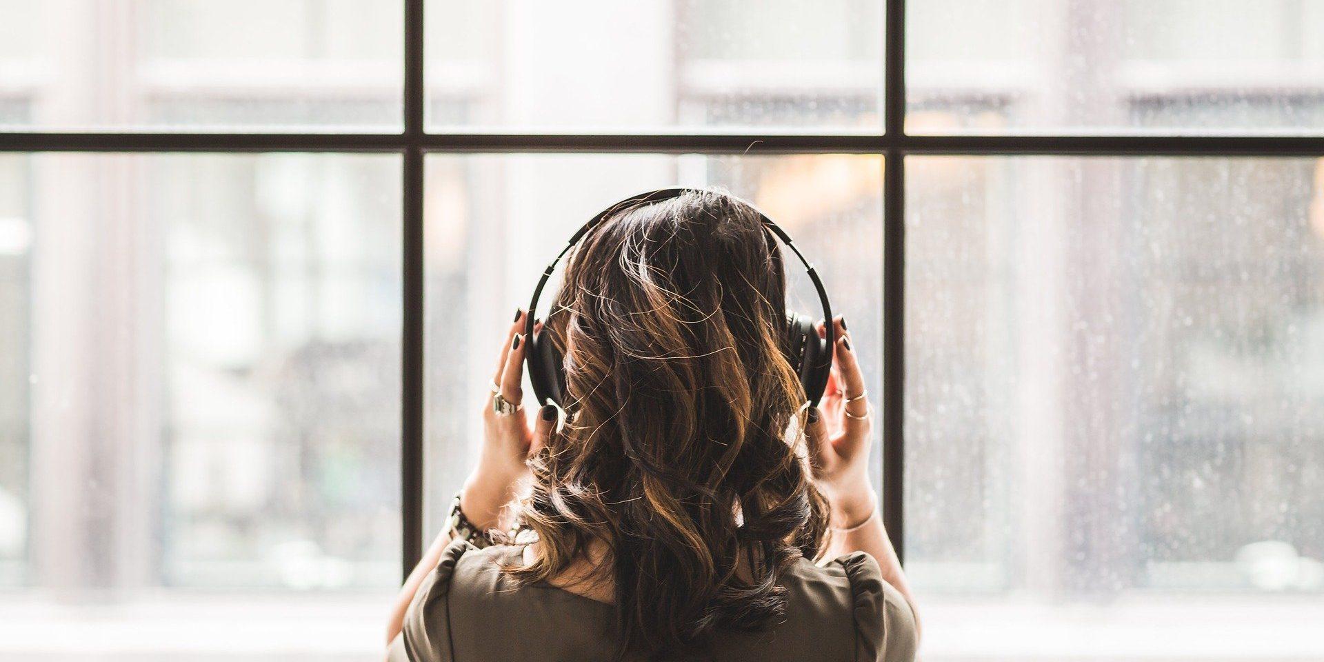 Embora tenha muitos benefícios para a saúde, ainda é dificil encontrar músicas ambiente pela internet