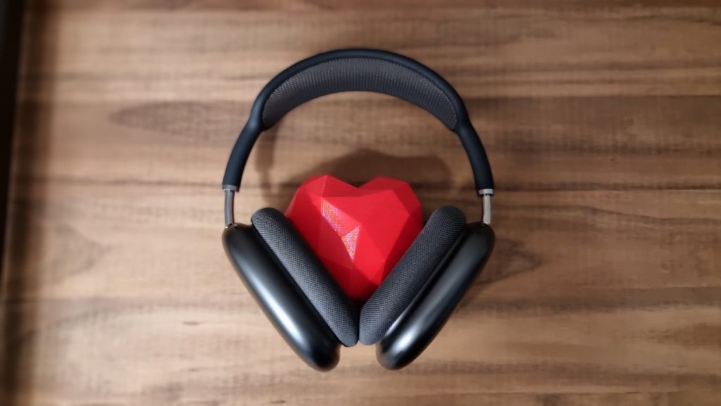 Review: airpods max é artigo de luxo no mundo dos headphones. Apple acerta com experiência sonora perfeita no airpods max, mas assusta no preço