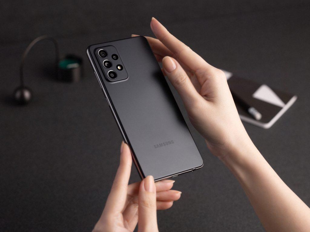 Samsung lança smartphones galaxy a52, a52 5g e a72 de olho na geração z. Voltados ao público jovem, a samsung atualiza a série a (com melhorias consideráveis) nos novos galaxy a52, a52 5g e a72