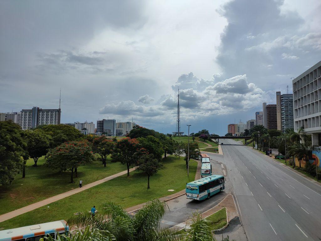 Review: realme 7 pro chega ao brasil e dá trabalho para xiaomi. Estreante no brasil, realme 7 pro custa salgados r$ 2. 499, mas tenta compensar isso com um bom pacote de hardware, boas câmeras e o melhor carregador do mercado