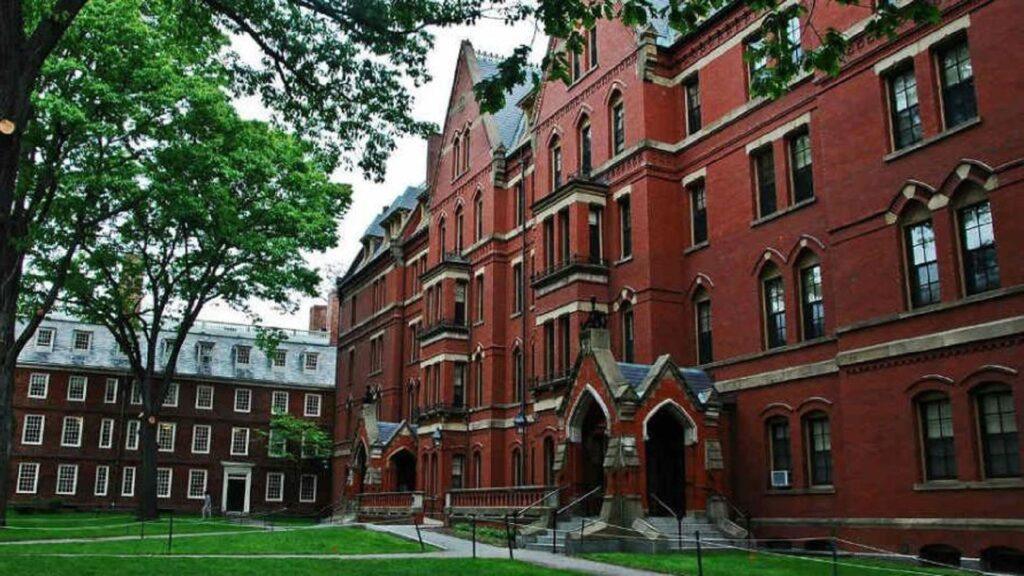 165 cursos gratuitos de harvard em uma das melhores da semana
