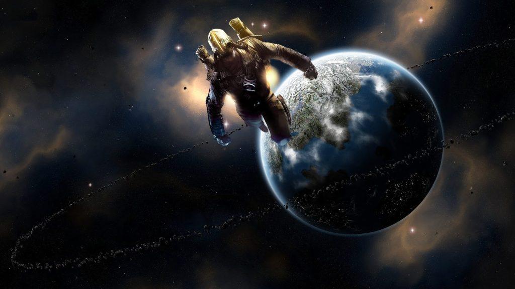 O protagonista é apresentado com uma mochila espacial voando perto de um planeta.