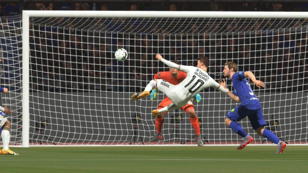 Replay de um gol em fifa 21.