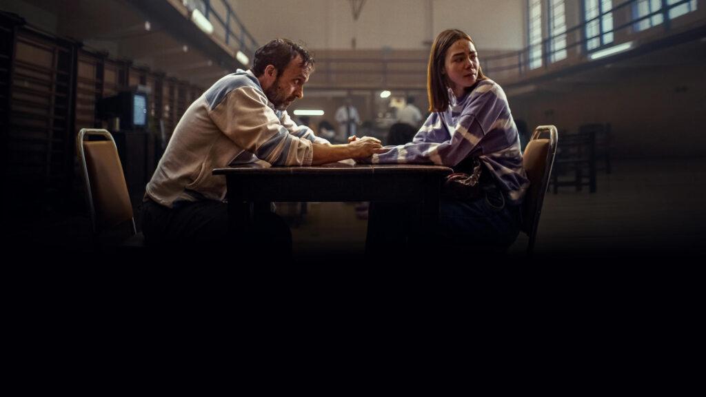 Alex é preso injustamente e quer provar que foi falsamente acusado pelo assassinato da irmã