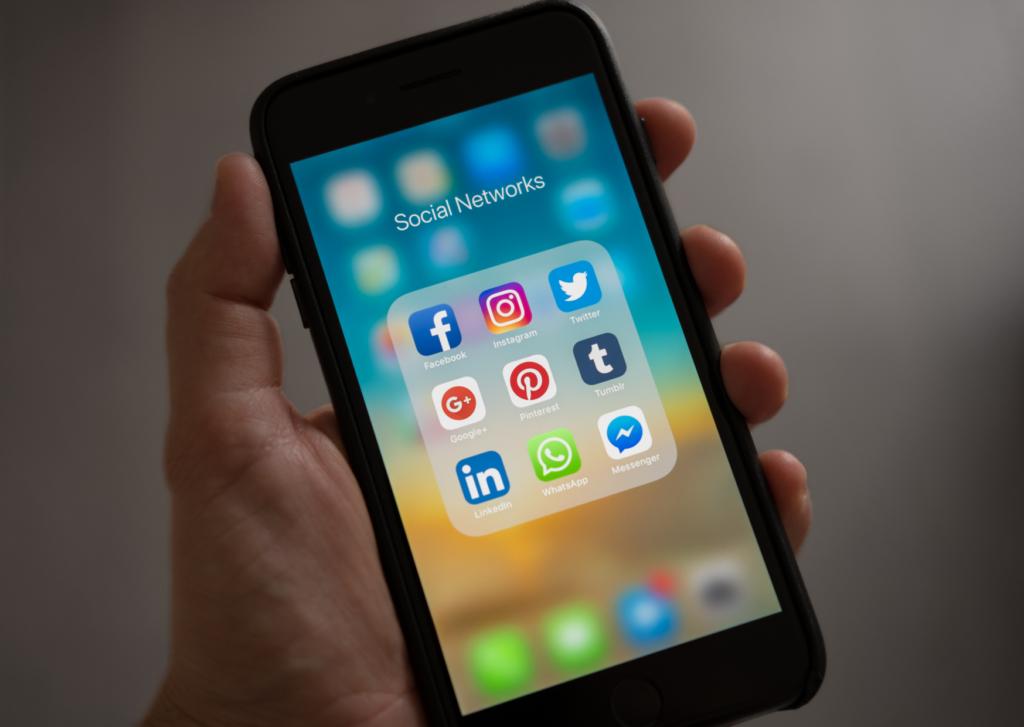 Gigantes da tecnologia como facebook, instagram e twitter serão obrigadas a fazer cadastro no consumidor. Gov. Br de acordo com a portaria do ministério da justiça