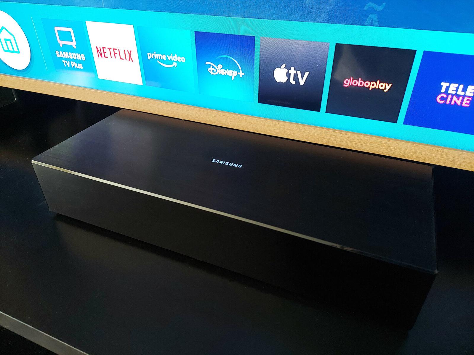 """Review: the frame 2021, a smart tv da samsung que equilibra design e sustentabilidade. Ainda mais fina que o modelo antecessor, a the frame 2021 é sinônimo de atenção ao design, sendo uma evolução das outras smart tvs """"lifestyle"""" da samsung"""
