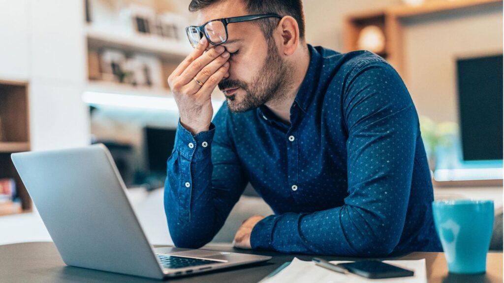 37% dos funcionários relataram que seus chefes esperam que eles estejam disponíveis assim que solicitado