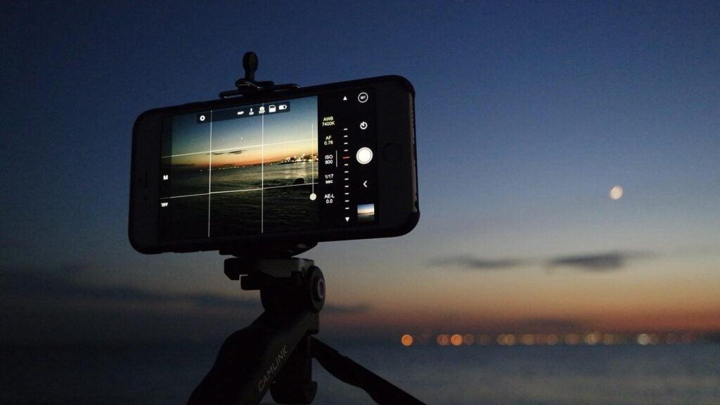 O enquadramento pode ser acionado nas configurações da câmera. Entenda como tirar fotos com este benefício integrado
