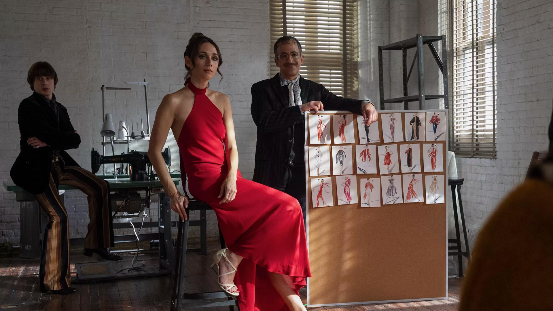 Netflix lança linha de moda com trajes de gala inspirados por halston.