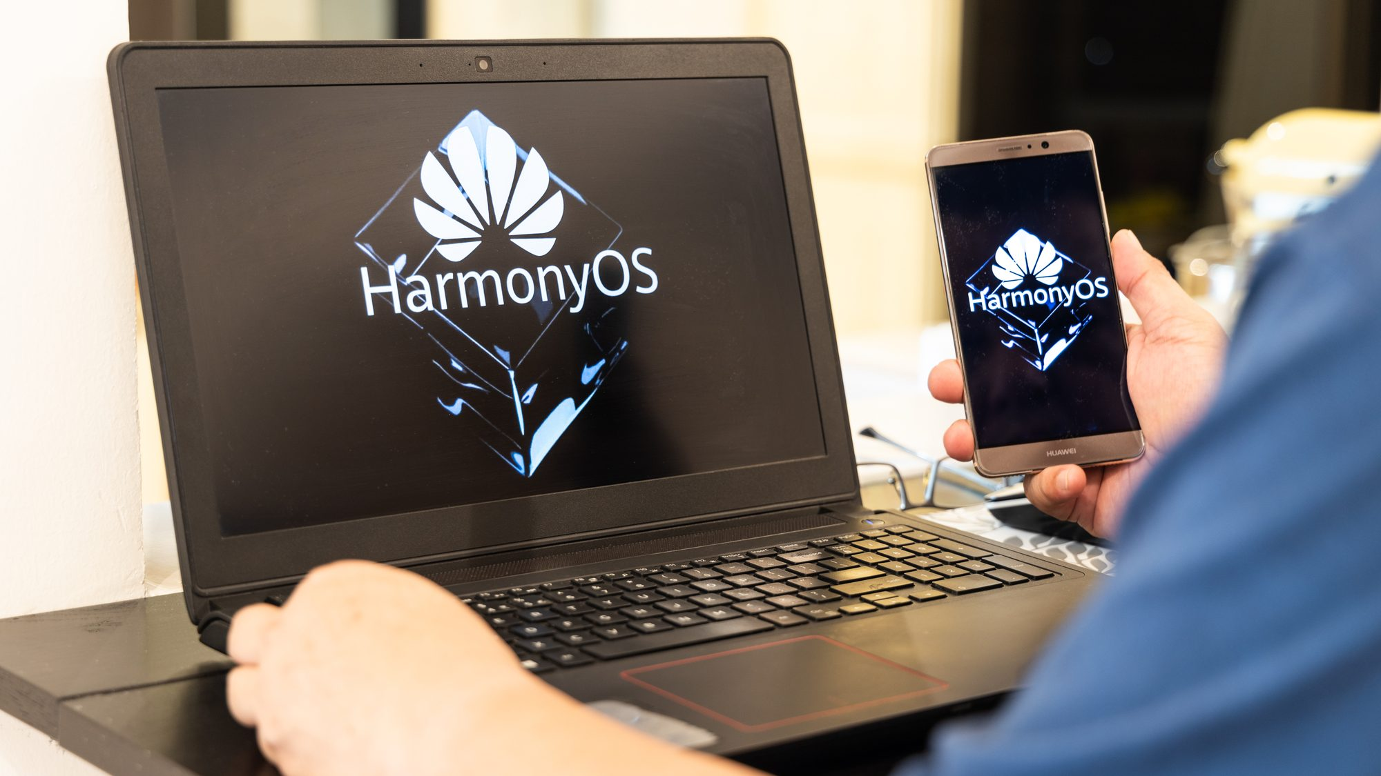 Harmonyos e huawei watch 3 são destaques em evento da huawei. Além de maior integração entre dispositivos com o harmonyos, a huawei também fez anúncio de vários produtos como seus novos fones de ouvido e monitor gamer